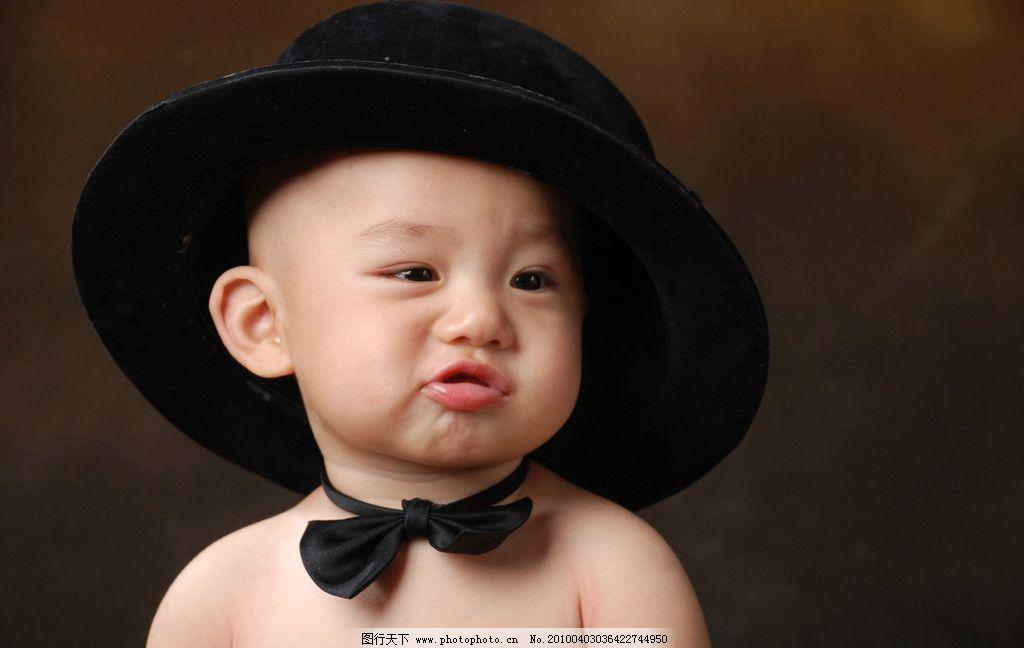 可爱的小男孩胖嘟嘟的图片