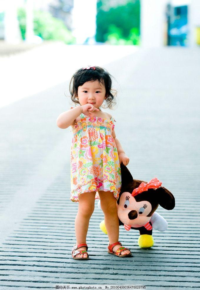 妮妮 米妮 宝宝 卷发 可爱 幼儿 花裙子 谢佳倪2周岁照片 儿童幼儿