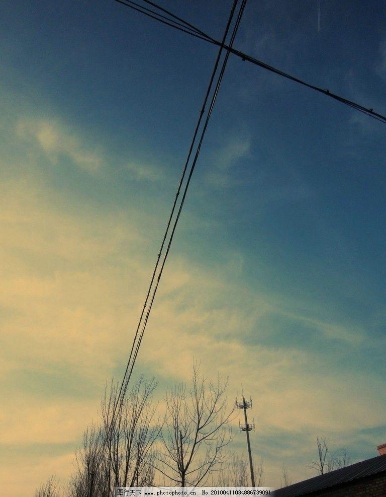 蓝天 白云 电线 白杨树 房子     天空 自然风景 自然景观 摄影 180