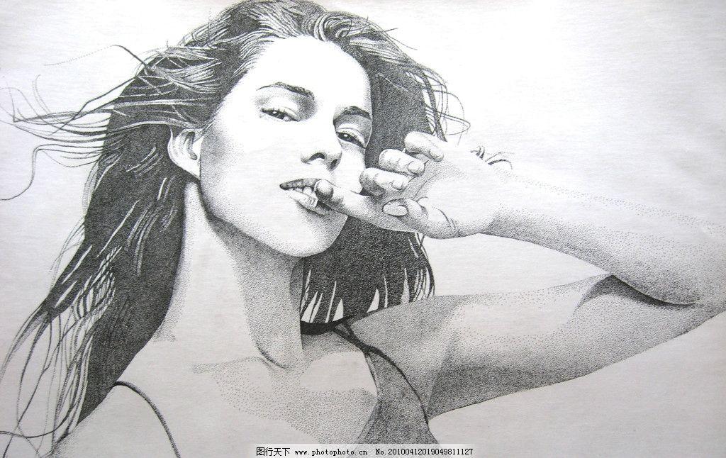 手绘古典美女图片黑白
