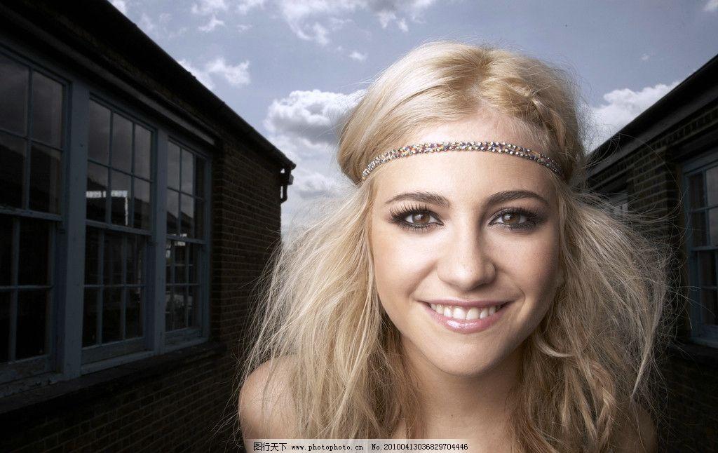 英国女歌手 皮克茜·洛特大片写真图片