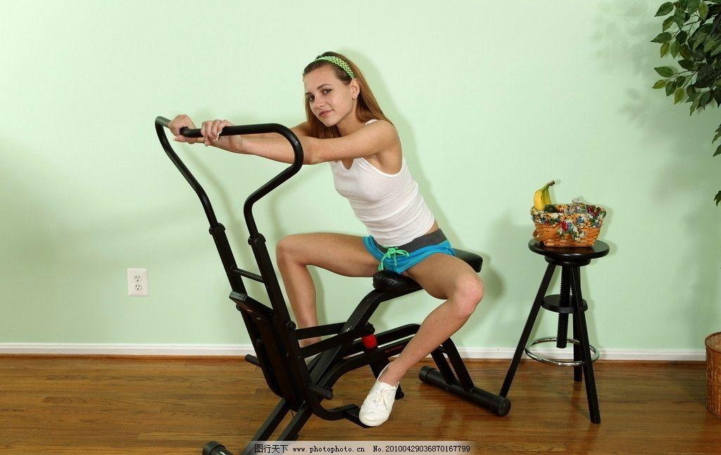 运动美女图片