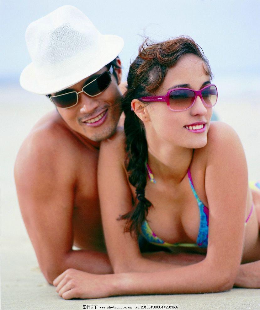 沙滩男女图片图片