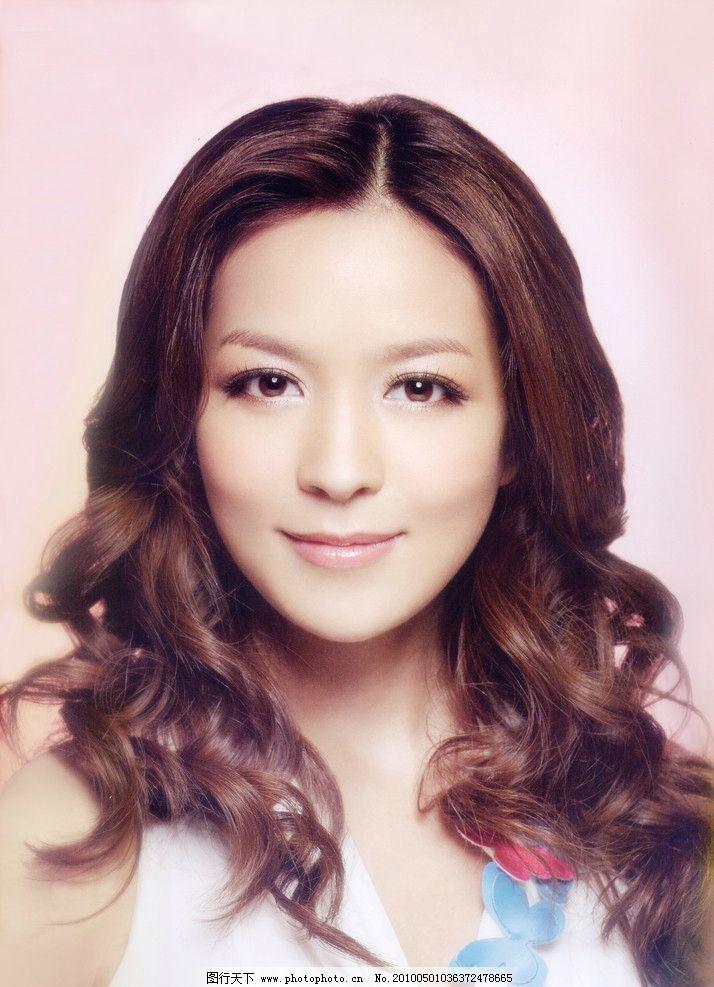 2010年最新发型 2010 年 最新 发型 发式 美女 烫发 发廊 模特 梨花图片