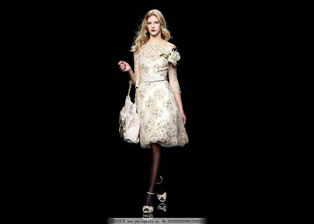 高贵 连衣裙 典雅 设计 服装设计 时装周 海报 平面模特 麻豆 女性