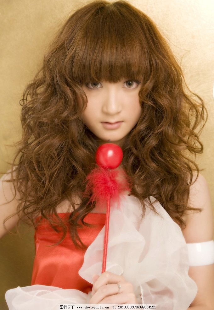 美发 烫发 卷发 美女 女人 时尚 发型 长发 可爱美女 人物摄影