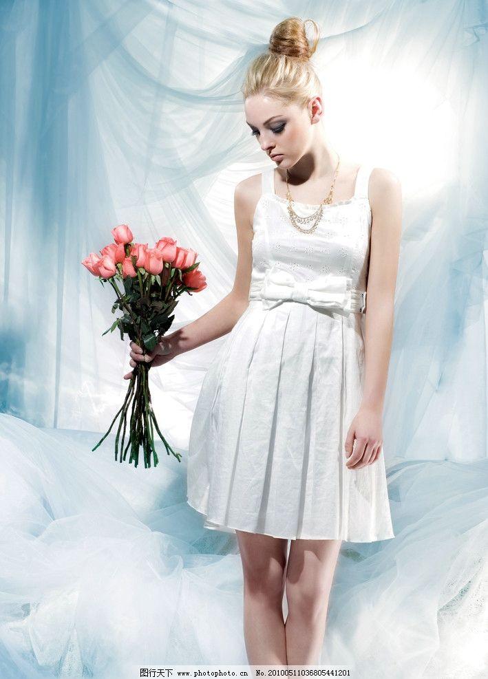 广告美女 红袖 裙子 欧美 身材 凉鞋 花 项链 女性女人 人物图库 摄影