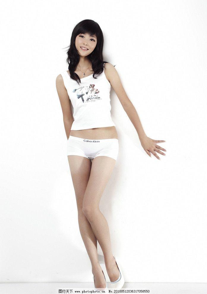 亚洲美女写真 中国 人物模特 军魂 美腿 纤体图片