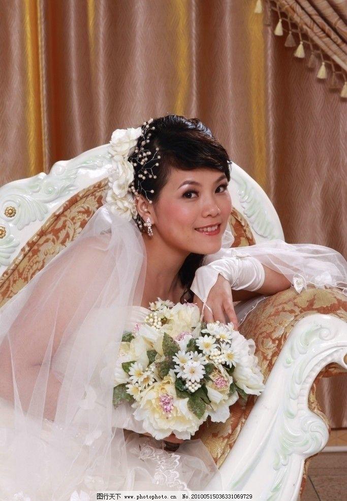 美女 欧式婚纱 花束图片