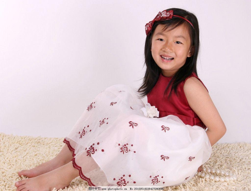 儿童 美少女 天真 活泼 可爱 小天使 小公主 小花裙 蝴蝶结 艺术照