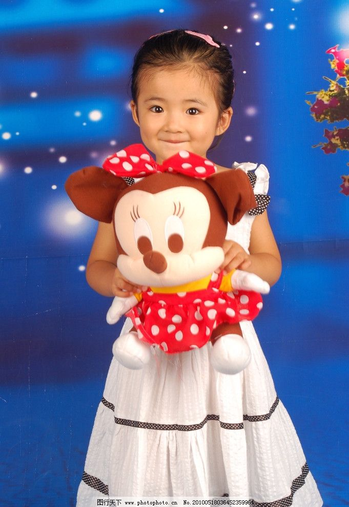 天真 活泼 可爱 小天使 小公主 连衣裙 米老鼠 毛茸玩具 艺术照 可爱
