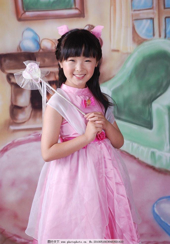 童真 儿童 美少女 天真 活泼 可爱 小天使 小公主 婚纱 艺术照