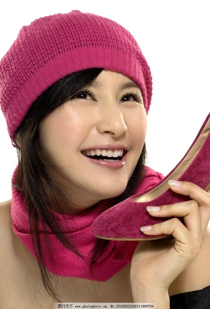 杨青 红色线帽 红色高跟鞋 笑容 写真 清纯广告模特 明星偶像 人物