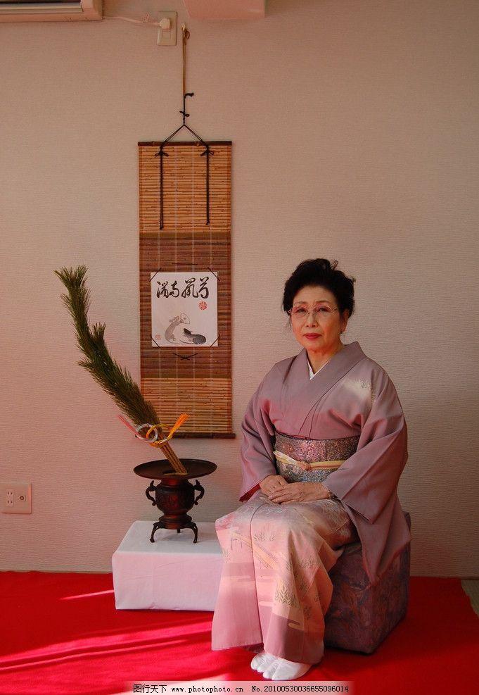 日本图片老和服妇人的性感图片欣赏唇图片