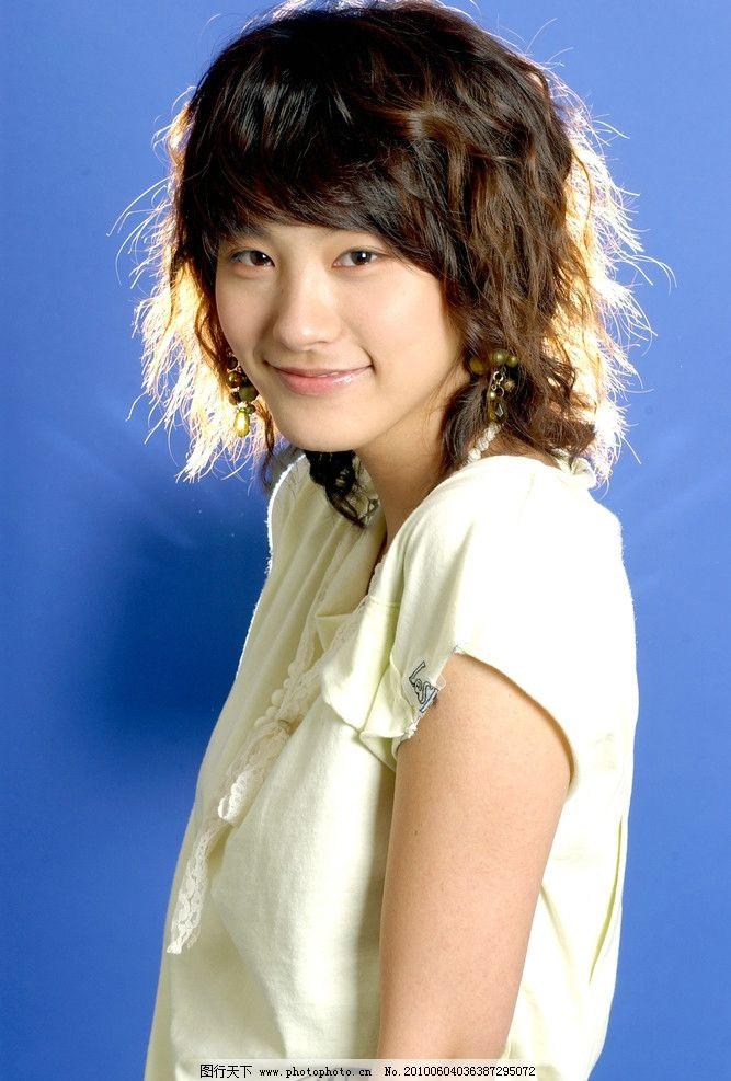 柳仁英 韩国女演员《loveholic》《爱情中毒》《雪之女王》《我们的