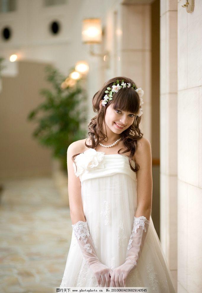 婚纱的素材 婚纱 美女 外国人 模特 笑容 女性女人 人物图库 摄影 300