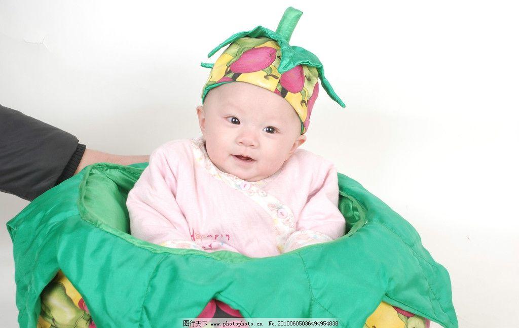 动作 姿势 玩耍 幼儿服饰 婴儿服 憨笑 娇小小 玲珑 宝宝 可爱 笑脸