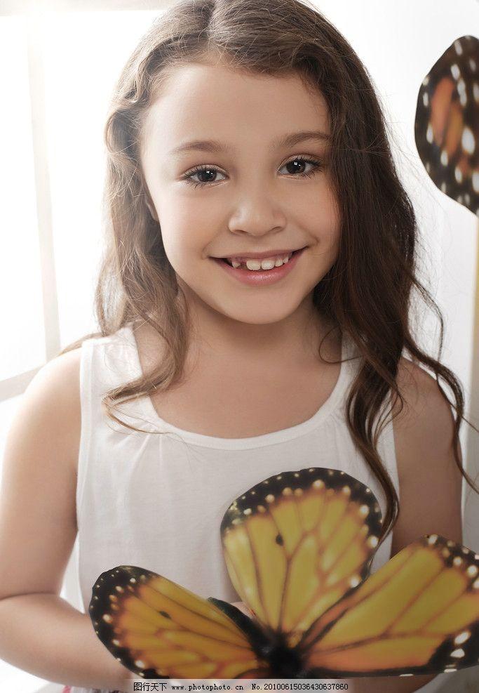 外国小孩 人 小孩 小女孩 童装 蝴蝶 漂亮 微笑 笑脸 人物摄影 人物