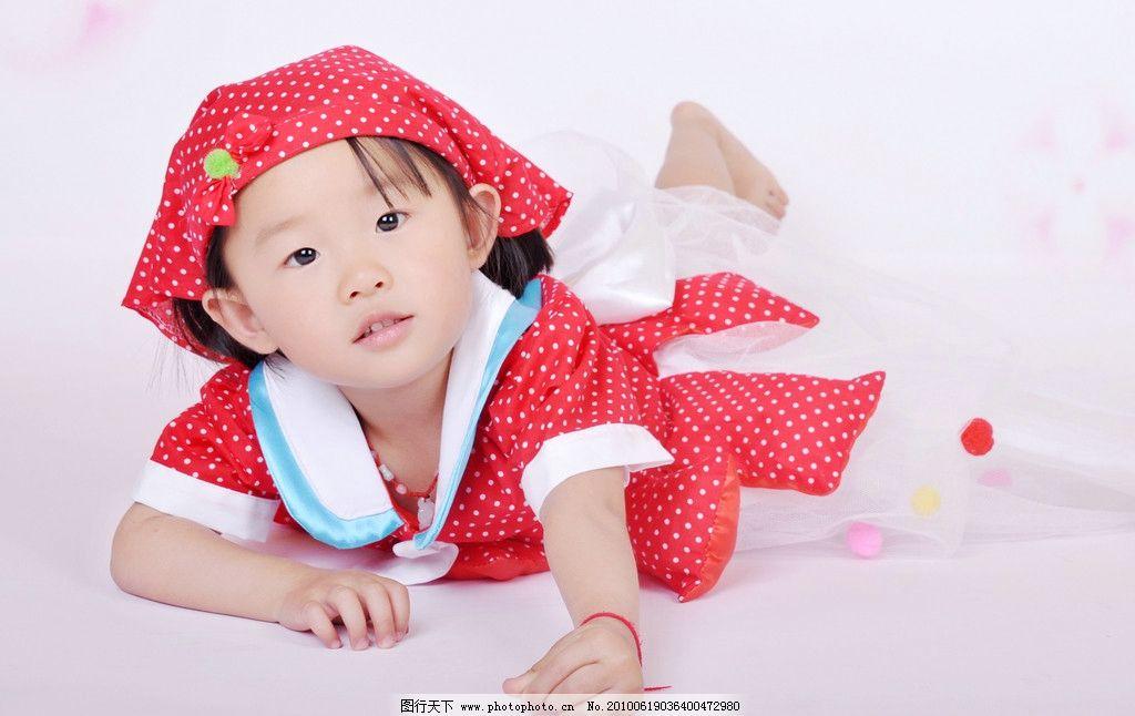 可爱宝宝 儿童 女孩 矢量背景 帽子 开心女孩 儿童幼儿 摄影
