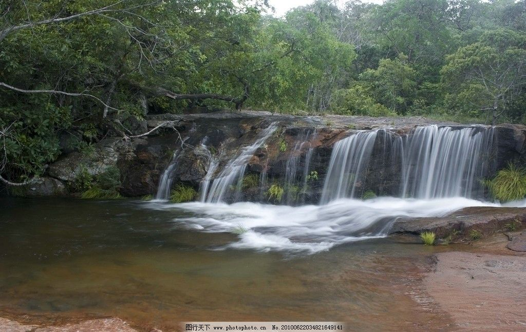 瀑布 自然景观 风景 河水 礁石 浅滩 树木 自然风景 摄影 240dpi jpg