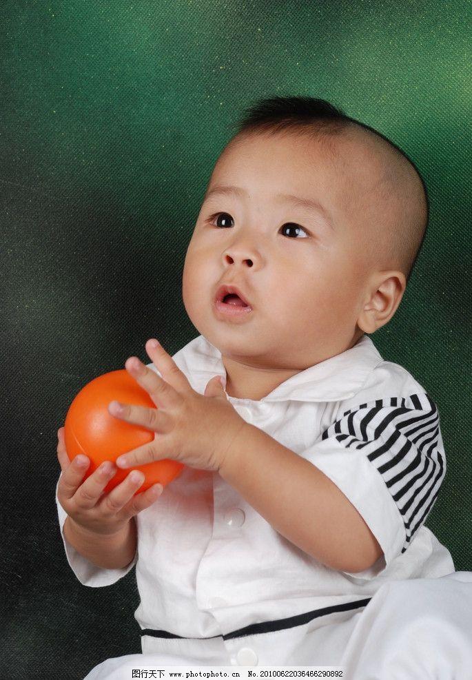 摄影图库 人物图库 人物摄影  小男孩 宝宝 小孩 儿童 满月 活泼 可爱