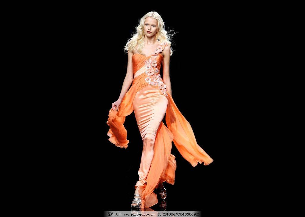 巴黎时尚晚装模特图片