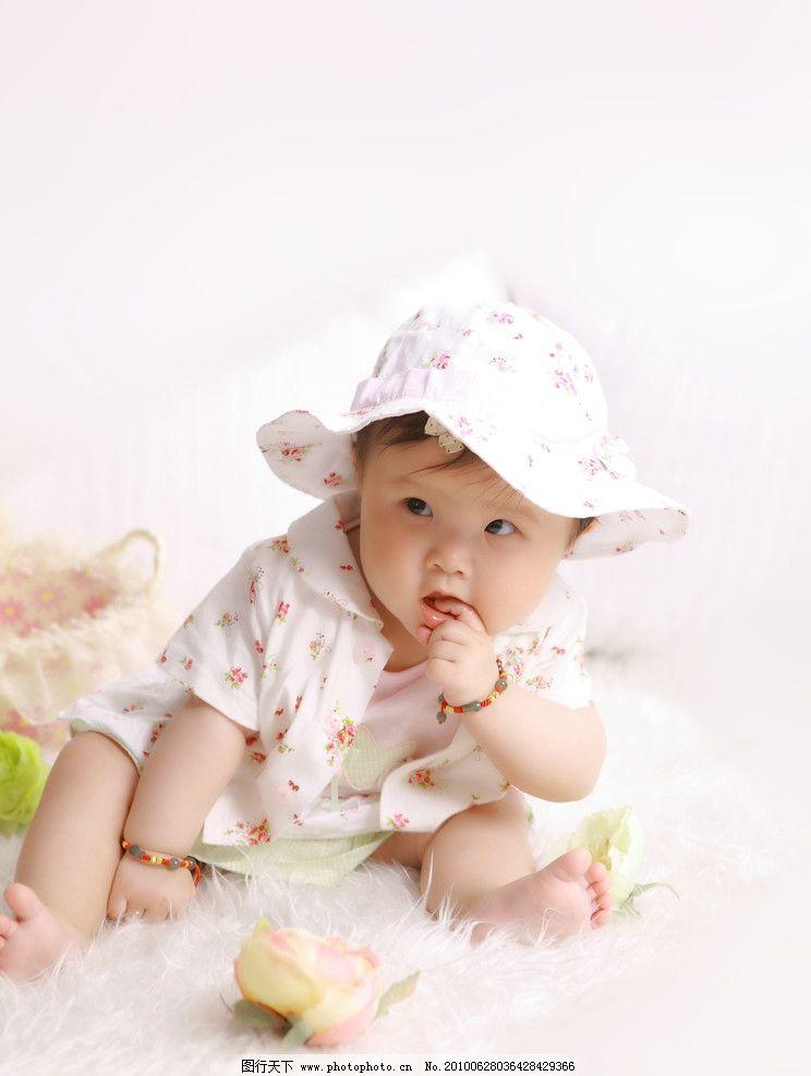 宝宝 小孩子 婴儿 幼儿 可爱娃娃 活泼 童年的宝宝 满岁 儿童幼儿