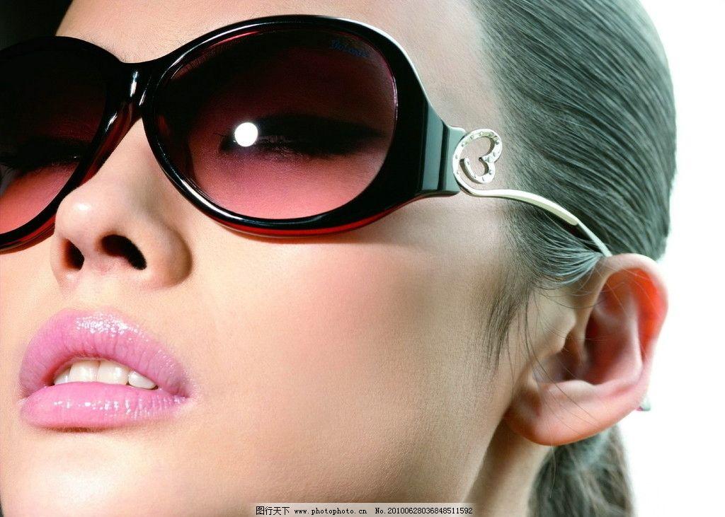 眼镜模特图片