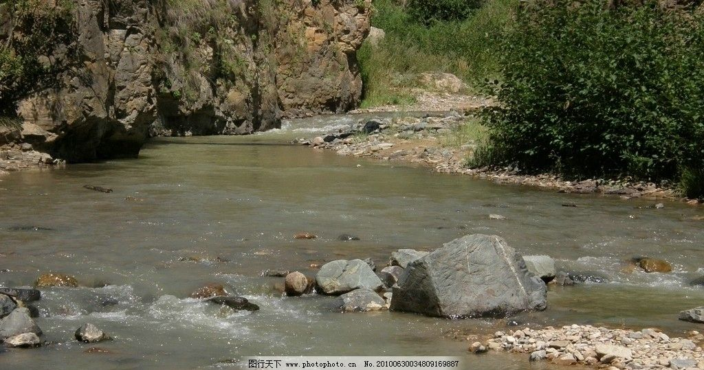 溪河 小溪 河水 浅滩 水边 河流 石滩 小河 自然风景 自然景观